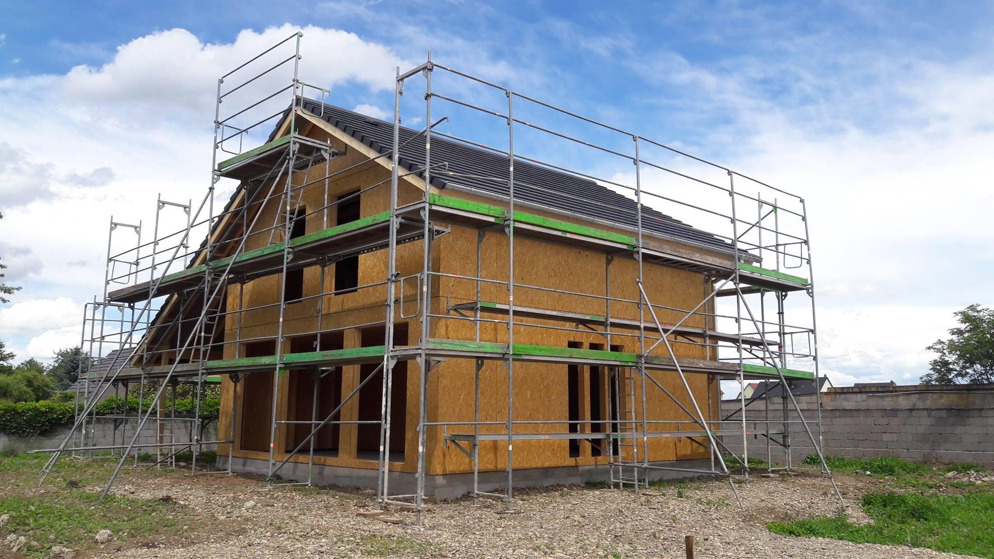 maison ossature bois en cours de construction