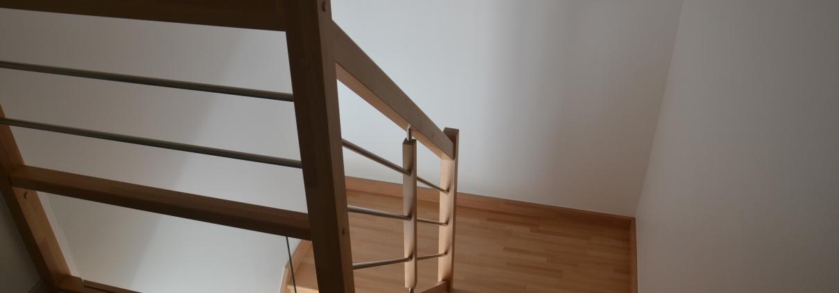 Escalier bois dans une construction neuve, haut rhin, alsace