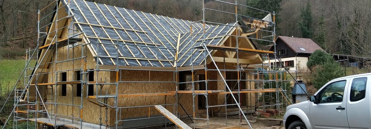 Maison ossature bois, chantier, vue extérieure. Constructeur dans le haut rhin, alsace.
